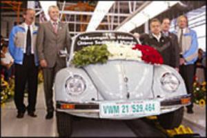 Den 30. juli 2003 trillet den aller siste eksemplaret – en lys blå Última Edición (siste utgave) – ut fra Puebla-fabrikken.