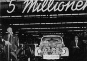 På 1960-tallet gjennomgikk bilen til stadighet nye detaljforbedringer – og akkumulert produksjon nådde stadig nye milepæler. Den 5. desember 1960 ble Volkswagen nr. 5.000.000
