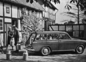 Med stasjonsvognmodellen VW Variant ble det skapt en VW personbil med en forholdsvis stor plass bak.